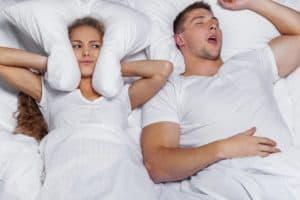 Was hilft gegen Schnarchen Mann Frau